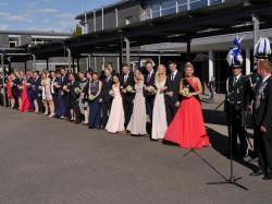 051_07-30-2017-ausholen_neues_königspaar_und_parade