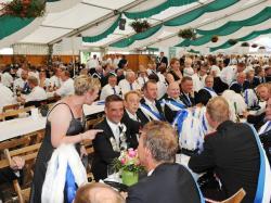 K800_08-03-2014-Ausholen Kaiserpaar,  Königspaar mit Throngefolge und Sternmarsch_563