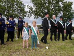 007_07-30-2017-ausholen_neues_königspaar_und_parade