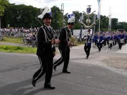 019_07-30-2017-ausholen_neues_königspaar_und_parade