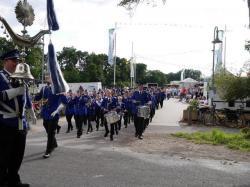 020_07-30-2017-ausholen_neues_königspaar_und_parade