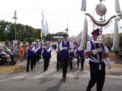 004Ausholen des neuen Königspaares und Parade