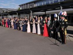 048_07-30-2017-ausholen_neues_königspaar_und_parade