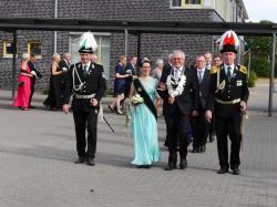 011Ausholen des neuen Königspaares und Parade