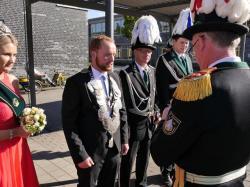 043_07-30-2017-ausholen_neues_königspaar_und_parade