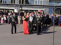 031_07-30-2017-ausholen_neues_königspaar_und_parade