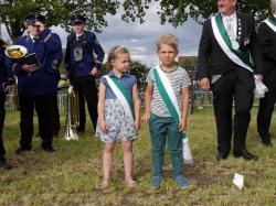 008_07-30-2017-ausholen_neues_königspaar_und_parade