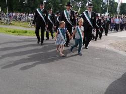 022_07-30-2017-ausholen_neues_königspaar_und_parade