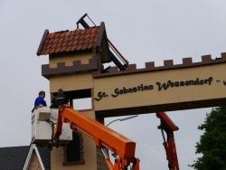 K800_06-27-28-2014-Der Aufbau der Torbögen_22