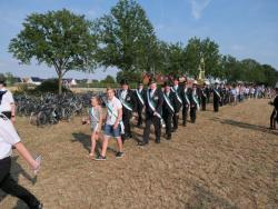 08-04-2019-Ausholen neues Königspaar und Parade (8)