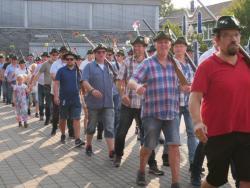 08-04-2019-Ausholen neues Königspaar und Parade (29)