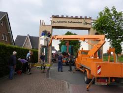 K800_06-27-28-2014-Der Aufbau der Torbögen_15