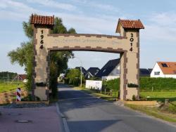 K800_06-27-28-2014-Der Aufbau der Torbögen_44